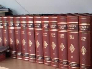 De Winkler Prins op mijn boekenplank